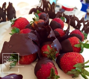 Strawberries and chocolate........dessert Heaven.......