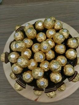50 Ferrero rocher cake top view