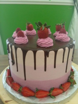 pink ombre strawbwerry cake