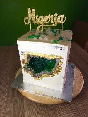 finished-independence-cake